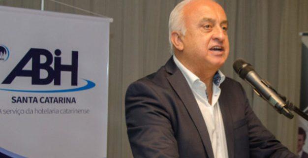 Presidente da ABIH-SC, Osmar José Vailatti