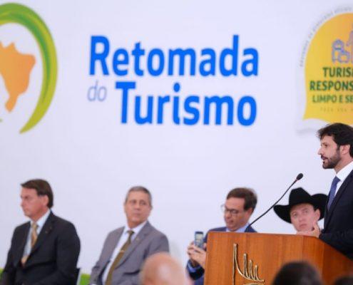 Retomada d turismo